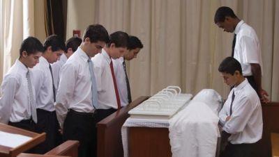 sacrament_table